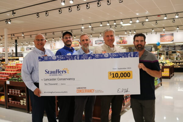 In Celebration of Their Mount Joy Grand Opening, Stauffers Makes $10,000 Gift To Lancaster Conservancy To Support The Environment